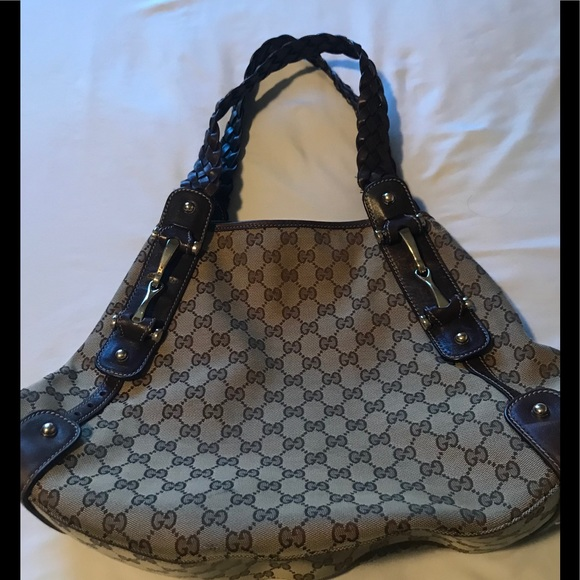Gucci Handbags - Gucci Pelham medium canvas hobo
